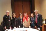 Pembicara Utama Yenny Wahid berfoto bersama Presiden FGBMFI Indonesia Ardian Kristanto - kanan-_Ketua WWC Agus Surjanto -kiri- dan Direktur WWC Farida Bau -tengah-